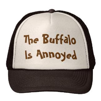 Se molesta el búfalo gorro