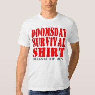 Se prepare la camisa de la supervivencia del día