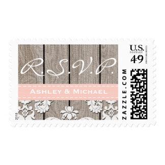 Se ruboriza el cordón de madera rústico rosado franqueo