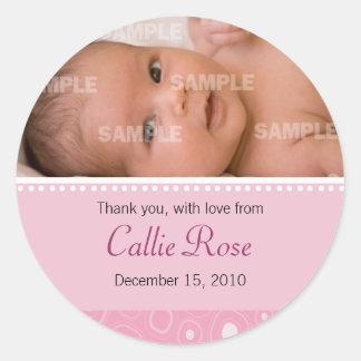 Se ruboriza el mensaje rosado del bebé de la pegatina redonda
