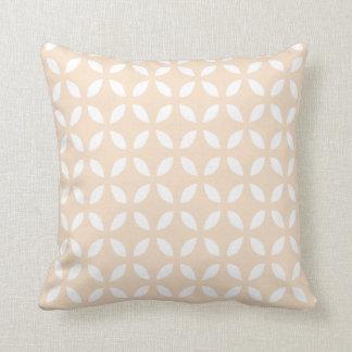 Se ruboriza la almohada geométrica rosada del