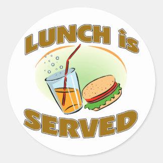 Se sirve el almuerzo pegatina redonda