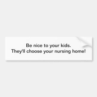 Sea agradable a sus niños, etiqueta engomada de pa pegatina para auto