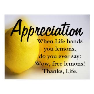 Sea agradecido y cuente sus bendiciones postal