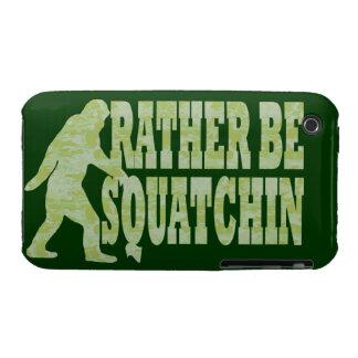 Sea bastante squatchin en camuflaje verde iPhone 3 cárcasa