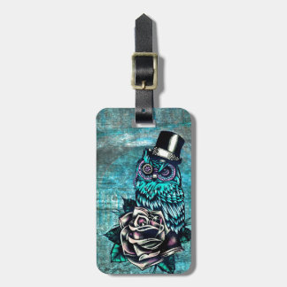 Sea búho sabio del estilo del tatuaje en base digi etiquetas de maletas