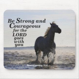 Sea caballo fuerte y valeroso de Deut 31 del verso Tapete De Ratones
