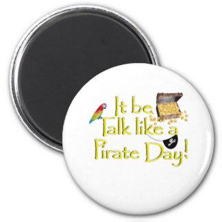 ¡Sea charla como un día del pirata! Imán De Nevera