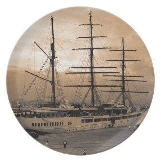 Sea Cloud II Plate