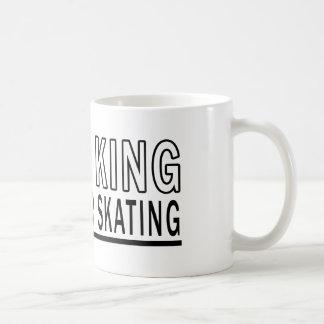 Sea el patinaje sobre ruedas de rey Of Taza Básica Blanca