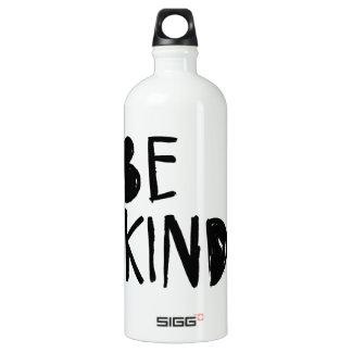 Sea estilo el   negro bueno de la escritura del botella de agua