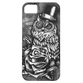 Sea ilustraciones sabias del búho del estilo del t iPhone 5 cárcasas