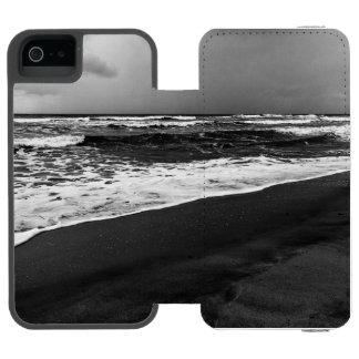 sea it is iPhone SE/5/5s wallet case