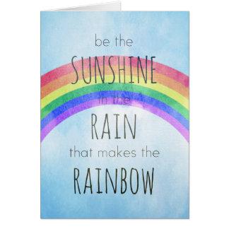Sea la sol en la lluvia tarjeta de felicitación