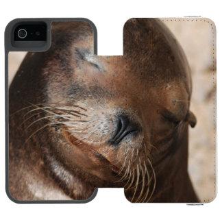 sea-lion-113.jpg incipio watson™ iPhone 5 wallet case