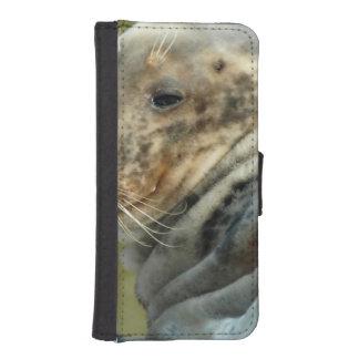 sea-lion-5.jpg iPhone 5 wallet cases