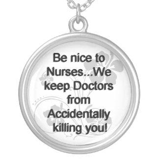 Sea Niza a las enfermeras Pendientes Personalizados