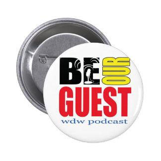 ¡Sea nuestro botón del podcast de la huésped Pins