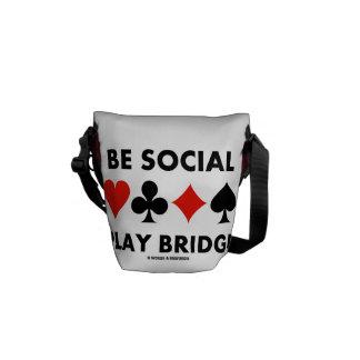 Sea puente social del juego (cuatro juegos de la bolsas messenger