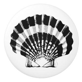 Sea Shell - black and white Ceramic Knob