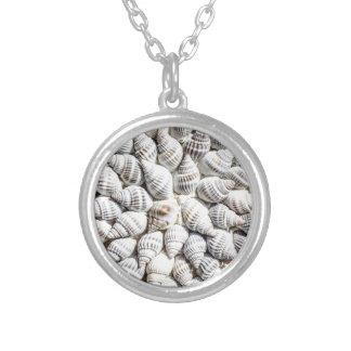 sea shells round pendant necklace