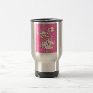 Sea turtle on pink background. travel mug