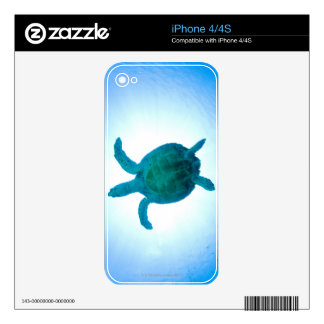 Sea turtle swimming underwater decal for iPhone 4