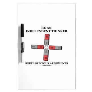 Sea un pensador independiente rechazan discusiones tableros blancos