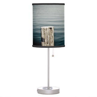Seagull taking off the rails table lamp