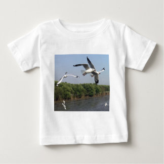 Seagulls at the beach baby T-Shirt