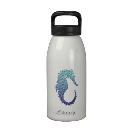 Seahorse azul de la onda botella de agua reutilizable