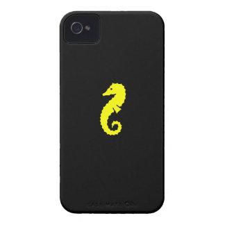 Seahorse de Glow_Yellow-on-Black del océano iPhone 4 Fundas