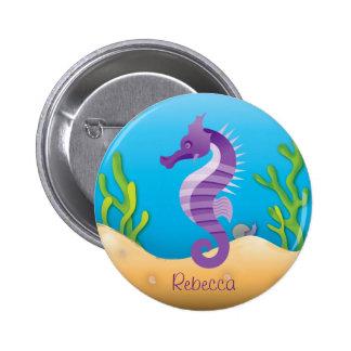 Seahorse púrpura subacuático pin redondo de 2 pulgadas