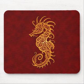 Seahorse tribal rojo de oro tapetes de raton