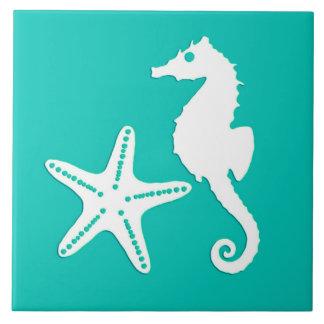Seahorse y estrellas de mar - blanco en la azulejo cuadrado grande