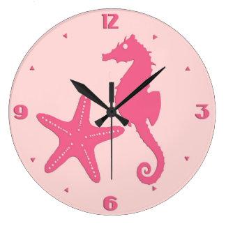 Seahorse y estrellas de mar - sombras del rosa reloj redondo grande