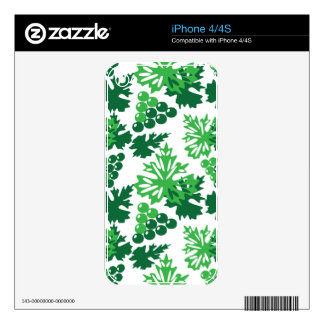 seamless pattern of leaves with grapes decal for the iPhone 4S