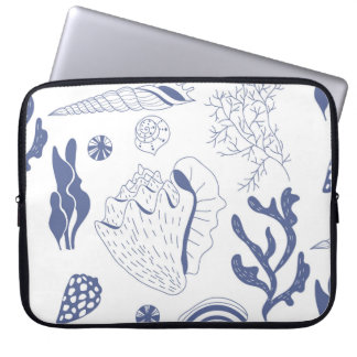 Seamless pattern with sea shells computer sleeve