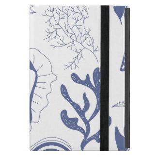 Seamless pattern with sea shells iPad mini case