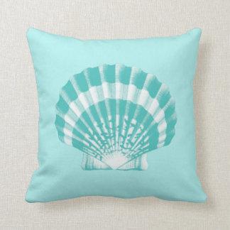 Seashell - aguamarina suave y blanco almohada