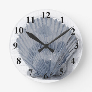 Seashell Round Clock
