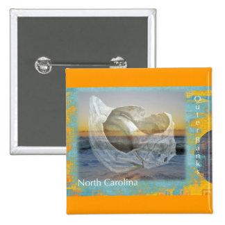 Seashell y resaca de Outer Banks Carolina del Nort Pin Cuadrado