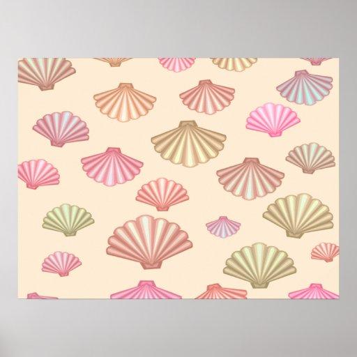 Seashells en la arena impresiones