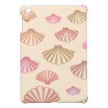 Seashells en la arena iPad mini cárcasas