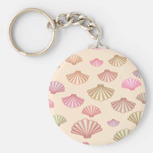Seashells en la arena llavero personalizado