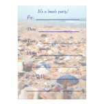 Seashells en las invitaciones de la playa