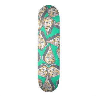 Seashells pattern skate board