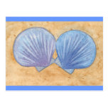 Seashells púrpuras azules en las postales de la ar