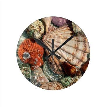 Beach Themed Seashells Round Clock