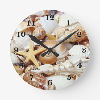 Seashells Round Clocks